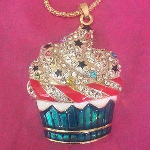 Amazing cupcake 🧁